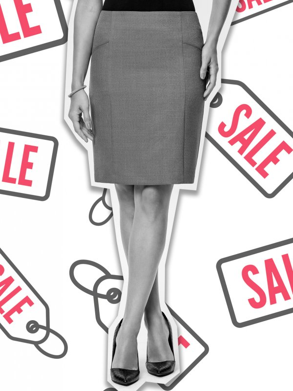 Fitted skirt, above the knee , pencil skirt , inset pockets , fully lined. Approx. 52cm centre back length