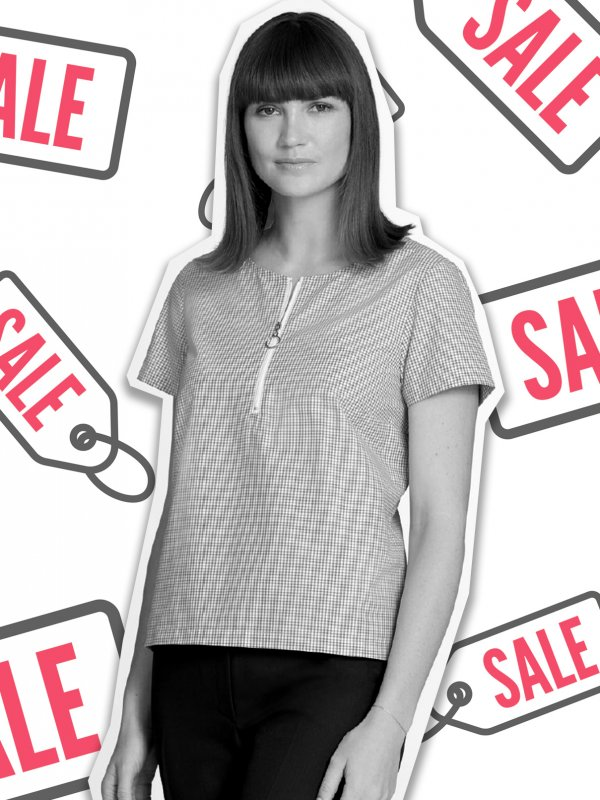 Relaxed, short sleeve shirt, boxy style with front zip. Approx. 60cm centre back length